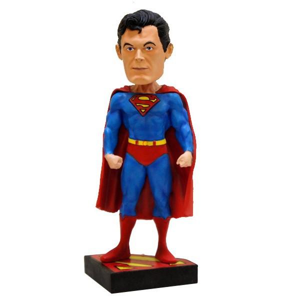 Фигурка NECA Dc Classic 8 Superman HKФигурка «Супермен» героя одноименной серии комиксов будет прекрасным подарком для каждого поклонника жанра!Высота: 20 см.<br>