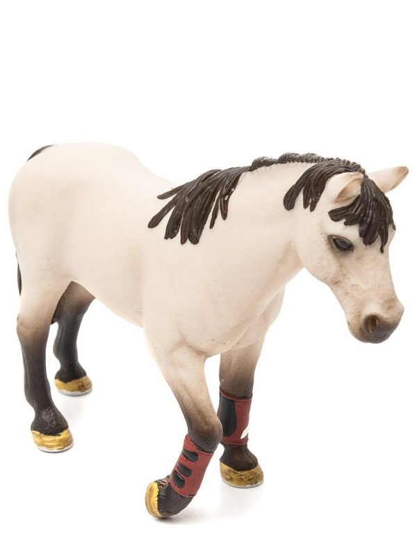 ЛошадьФигурка лошади станет хорошим подарком для вашего малыша. Представленная игрушка отлично подходит как для непосредственных игр, так и для коллекционирования. Фигурка раскрашена вручную, благодаря чему выглядит ярко и привлекательно. С помощью этой игрушки ваш ребенок сможет заинтересоваться изучением животных, а также разыгрывать множество интересных историй и сюжетов, развивая воображение и фантазию.Экологически чистый материалПредставленная фигурка изготавливается из каучукового пластика, который отличается прочностью и безопасностью, что способствует долгому сроку службы. Материал экологически чист, благодаря чему исключается риск возникновения аллергических реакций и раздражений организма.Как купить и оплатить?Приобрести фигурку лошади вы сможете в одном из наших розничных магазинов в Москве или Санкт-Петербурге. Для жителей других регионов доступна услуга доставки с оплатой наложенным платежом.<br>