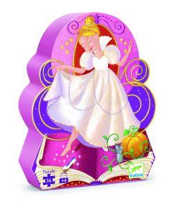 Пазл ЗолушкаИгра с пазлами развивает внимательность, мелкую моторику рук, воображение, логическое мышление, зрительное восприятие, усидчивость.Яркий пазл из 36 деталей в красивой фигурной коробке станет прекрасным подарком для девочки! Собирая пазл с изображением сюжета из волшебной сказки о Золушке, ваш ребенок узнает, как бедная девочка смогла попасть на королевский бал во дворце, и встретила там своего принца! Детали пазла имеют небольшой размер, удобный для маленьких детских ручек.Размер поля: 42 х 30 см.Перед Вами пазл с изображением трех эпизодов из известной сказки Золушка. Собирая пазл малыш вспомнит историю про бедную девочку-служанку, которая попала на королевский бал и встретила там прекрасного принца. Этот пазл будет интересен как мальчикам, так и девочкам. Игра не только доставит им большое удовольствие, но и принесет не мало пользы: детки научатся аккуратности, усидчивости, разовьют логику , мелкую моторику и потренируют память.Пазл Золушка (07232) - яркийпазлиз 36 деталей в красивой фигурной коробкестанет прекраснымразвивающим подарком для девочки!Собирая пазл с изображением сюжета из волшебной сказки про Золушку, малышка узнает, как бедная девочка смогла попасть на роскошный бал в королевском замке и встретила там своего принца!Игра упакована в оригинальную и удобную для хранения коробочку с изображением Золушки и может стать отличным подарком для любого ребенка.Элементы пазла сделаны из прочного картона, что делает их устойчивыми к деформациям и удобными для маленьких детских пальчиков.<br>