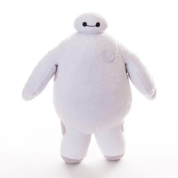 Плюшевый Бэймакс Big Hero 6 (звук, английская озвучка)Это мягкая игрушка представляет из себя одного из главных героев мультфильма Город Героев - Беймакса. В своих красных доспехаха он представляет из себя непобедимого и грозного героя, но стоит ему их снять, как перед нами предстанет добрый и безобидный робот. Эта игрушка может похвастаться не только своим милым видом, она также может воспроизводить фразы и звуковые эффекты из мультика, стоит только нажать на область сердца. Собери коллекцию из всех персонажей серии Big Hero 6 и спаси Сан Франсокио от злобного героя Йокаи!<br>