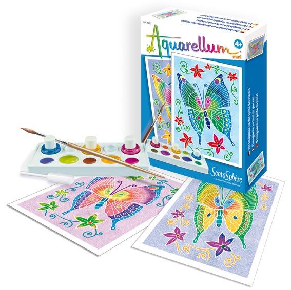 Акварельная раскраска мини БабочкиАкварельная краска «Бабочки мини» от торговой марки Sentosphere понравится юным художникам и художницам. В комплект входят две картины с рельефным контуром, за который не вытекает краска; три баночки с акварельной краской, которые можно смешивать в специальной палитре и получать новые цвета и оттенки. Кроме того, в наборе вы найдете пипетку и инструкцию по созданию картин.С набором акварели ваш ребенок научится рисовать очаровательных разноцветных бабочек, которых можно будет повесить на стену в рамочке. Размеры картинок - 12 на 16 см. Вместе с красками малыш или малышка научится рисовать, сможет развить свой творческий потенциал, фантазию и воображение.Вы можете купить или заказать набор на сайте интернет-магазина Hamleys по невысокой цене, а также выбрать курьерскую доставку в нужный город и оплатить одним из предложенных способов.<br>
