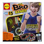 Набор Сделай сам браслеты-фенечки БроБраслеты-фенечки Бро - набор СДЕЛАЙ САМ. Впервые Алекс предлагает наборы для изготовления стильных аксессуаров для мальчиков!С помощью набора можно научиться плести модные браслеты-фенечки, используя специальный станок. Запаса ниток в наборе хватит для изготовления 15 браслетов! Далее можно использовать другие нитки, любых цветов, на ваш вкус. В наборе: станок, крючок-присоска, нитки 14 цветов, в том числе 3х люминесцентных и 3х неоновых, инструкция на русском языке.Для детей от 8 лет.Размер упаковки: 23 х 23 х 5 см.Производитель: ALEX, США.Изготовлено: Китай.<br>