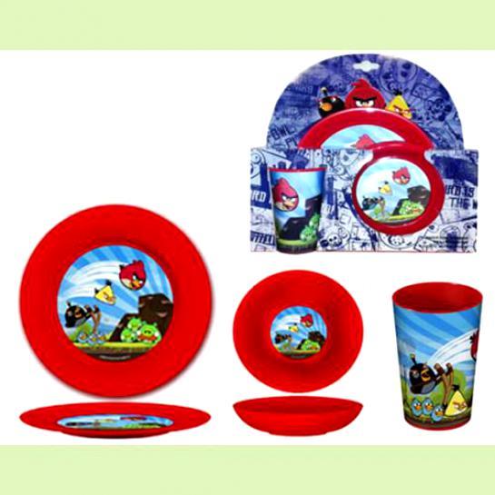 ANGRY BIRDS Набор детской посуды из 3-х предметов, пластиковый, красныйПластиковая посуда – это прекрасный вариант столовых приборов для маленьких детей. Предлагаем приобрести качественную и красивую посуду от создателей игры Angry Birds. Набор состоит из трех предметов, в числе которых пластиковый стакан, глубокая тарелка и плоская тарелка. Все изделия изготовлены из высококачественного материала, не представляющего никакой опасности для здоровья человека. Яркая окраска предметов привлекает внимание детей и делает процесс приема пищи более интересным для ребенка.<br>