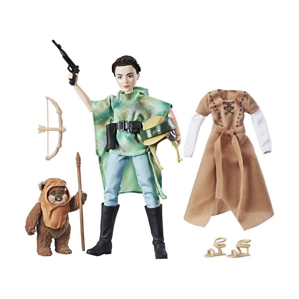 Набор модные куклы Звездные войны (планета Эндор)Игровой набор с куклой Star Wars Планета Эндор - это превосходный подарок для любой девочки. Когда храбрая принцесса Лея оказывается на планете Эндор, она встречает Эвока Викета, который становится ее другом. Их дружба помогает им прийти к победе, объединив силы Повстанцев и Эвоков в борьбе против злой Империи! Принцесса Лея одета в удобный и практичный камуфляжный костюм, состоящий из зеленого пончо и брюк. Ее волосы убраны в узнаваемую прическу, ставшую визитной карточкой героини. В комплект входит бластер и шлем, которые помогут Лее в бою, а также дополнительный комплект облачения, включающий тунику и сандалии. В комплект также входит фигурка Эвока, покрытая мягким флоком. Оружие Эвока - копье и лук со стрелами. Раскрой свою внутреннюю силу и погрузись в собственное приключение с принцессой Леей и ее верным другом!<br>