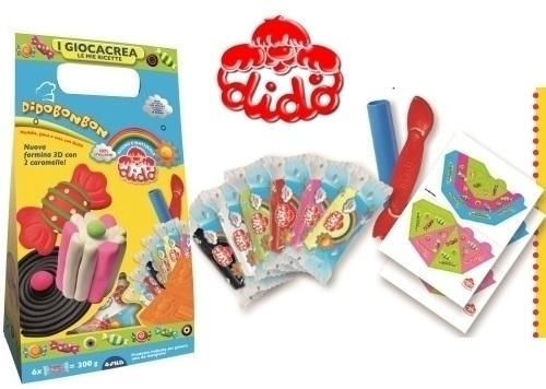 Набор для лепки Dido паста, 6x50грПорадуйте своего малыша замечательным набором для лепки от фирмы Dido. Теперь маленький кондитер без труда сможет сделать зефир, конфеты, желе и еще много разных сладостей, просто проявив фантазию. В комплекте представлены шесть видов разноцветной массы в индивидуальной упаковке, стек, 3D нож и многое другое. Такое развлечение непременно понравится вашему ребенку и он надолго погрузится в создание кулинарных изысков. Когда малыш закончит свои приготовления, то готовые творения необходимо подсушить, а оставшуюся массу уложить в специальный пакет из комплекта, чтобы она не засохла. Увлекательный набор Le Mie Ricette Bonbon подарит множество положительных эмоций вашему непоседе.<br>
