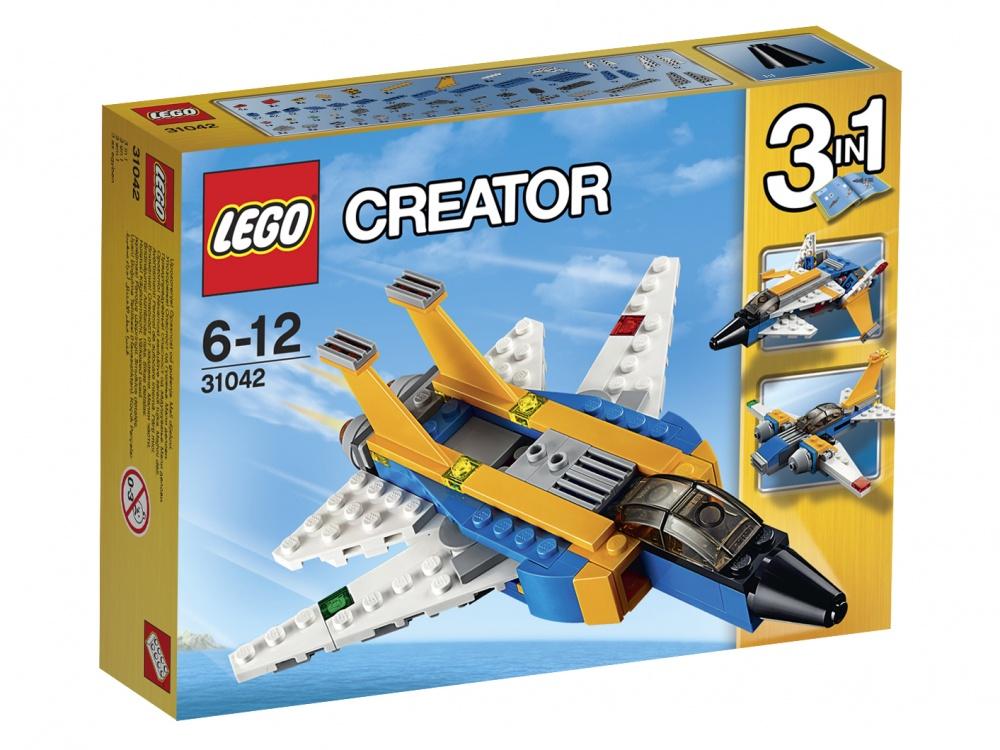 Конструктор Lego Creator Реактивный самолетСиний реактивный самолет Lego Сreator готов выполнить любую твою задачу. У него большие двигатели, мощные воздухозаборники и двойные стабилизаторы. Он летает быстрее, чем все самолеты мира. В мгновение ока ты можешь оказаться в Америке, Японии, Австралии — везде, где пожелаешь.Спецагентам нужна помощь самого смелого пилота. Они просят тебя доставить информацию на засекреченную военную базу. Действовать нужно очень быстро, чтобы никто не узнал об операции. Собери одну из трех возможных моделей и отправляйся в путь. От твоей ловкости и скорости зависит судьба мира.Генерал ждет карты с местоположением противника на базе. Злодеи задумали неладное, и только ты сможешь предотвратить катастрофу.Приборы передают особый сигнал, чтобы ты сел в правильном месте. Впереди видишь огромный авианосец, который готов принять реактивный самолет Lego Сreator на борт. Навстречу спешит вся команда. Генерал хвалит тебя за проявленное мужество. Теперь можно не беспокоиться. Сопротивленцы будут пойманы, а их план провалится с треском. И все благодаря тебе и твоей скоростной птице. Так держать! Впереди ждут еще более сложные и интересные задания!<br>