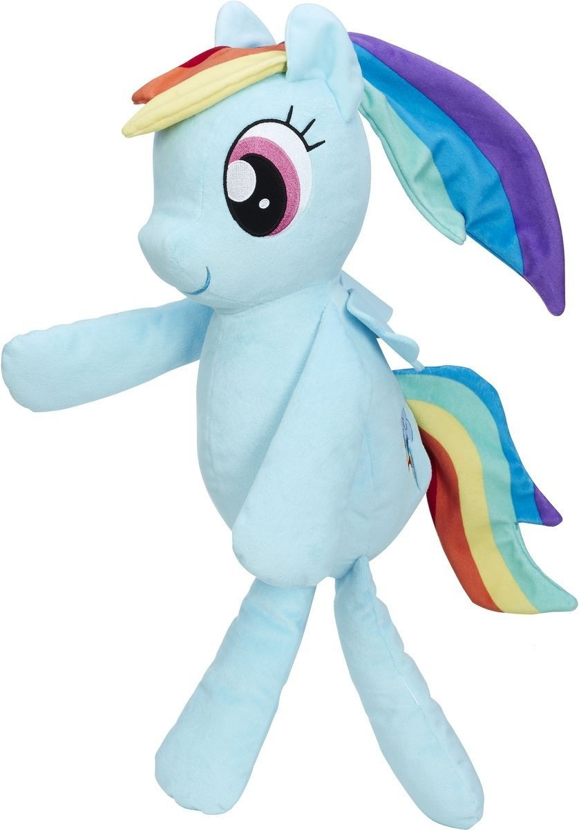 MLP Плюшевые пони для обнимашекМягкая игрушка My Little Pony Плюшевые пони для обнимашек: Рейнбоу Дэш выполнена в виде радужной пони, героини мультсериала My Little Pony Рэйнбоу Дэш. Игрушка изготовлена из высококачественного искусственного меха и имеет мягкий наполнитель, благодаря чему будет безопасна для ребенка. Очаровательная плюшевая пони с длинными ручками и ножками идеально подойдет для объятий. Глазки игрушки вышиты нитками, что делает игры с ней безопасными даже для самых маленьких детей. Удивительно мягкая игрушка принесет радость и подарит своему обладателю мгновения нежных объятий и приятных воспоминаний. Великолепное качество исполнения делает эту игрушку чудесным подарком к любому празднику. Милая и симпатичная, она непременно вызовет улыбку у детей и взрослых.<br>