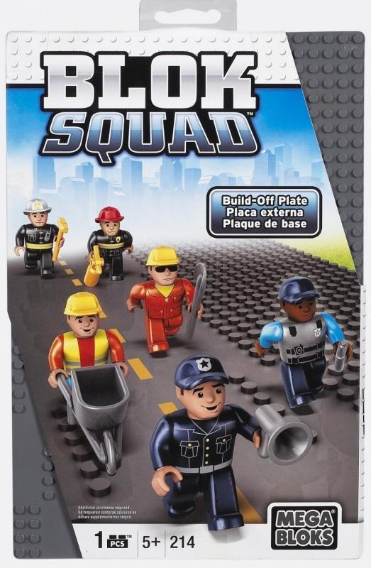Дополнительная игровая пластина Mega BloksДополнительная игровая пластина Blok Squad представляет собой деталь конструктора с кусочком трассы, совместимую с игровыми наборами популярнейшей серии Mega Bloks. Данный пластиковый элемент может быть использован для расширения скоростной магистрали или любого другого шоссе в городе Blok Squad. Изделие имеет серый окрас и пунктирную разметку. Благодаря рельефной поверхности, на этом участке дороги запросто можно будет закрепить транспортные средства, мини-фигурки и другие детали конструктора.<br>
