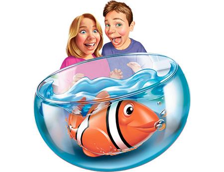 РобоРыбка Клоун (желтая) с аквариумомНабор РобоРыбка Клоун (желтая) с аквариумом. Инновационная высокотехнологичная игрушка. Активируется в воде. Имитирует движения и повадки рыбы. Электромагнитный мотор позволяет рыбке двигаться в 5 направлениях. При погружении в аквариум или другую емкость с водой, РобоРыбка начинает плавать, опускаясь ко дну и поднимаясь к поверхности воды. Игрушка работает от двух алкалиновых батареек А76 или RL44, которые входят в комплект (две установлены в игрушку и 2 запасные). В комплекте так же пластиковый аквариум.<br>