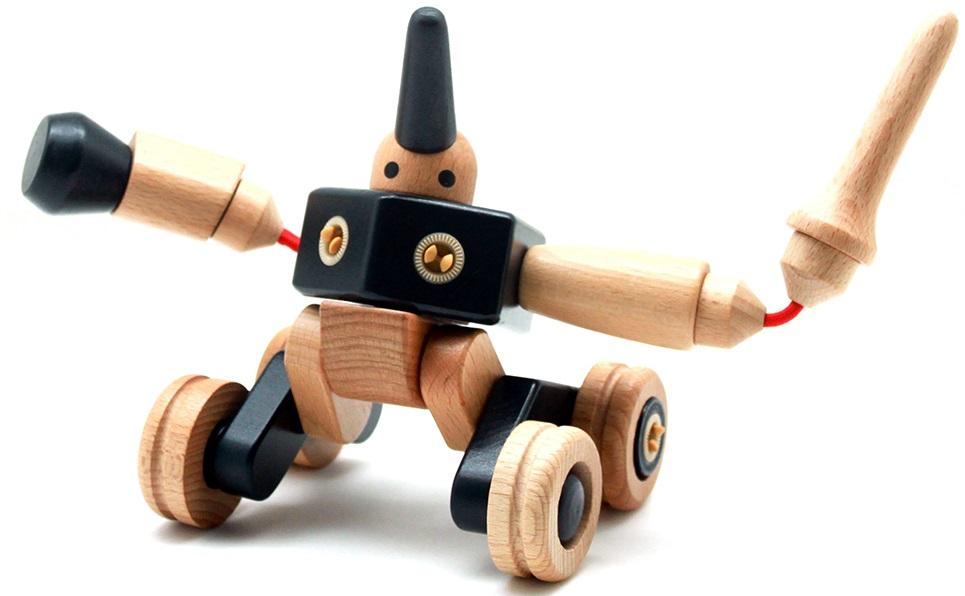 Конструктор EQB EQBOT-TIBO Робот ТибоКонструктор EQBOT-TIBO содержит набор из 25 деталей для сборки робота. Причём этот робот может принимать разные положения, стоять, сидеть, двигаться на колёсах - более десятка моделей!Южнокорейский конструтор компании Art House основан на уникальном запатентованном креплении деталей Click'n Turn!, это крепление позволяет соеденять деталь с любой другой без использования каких либо приспособлений. Более того все конструкторы серий DINO, ZOO&amp;CAR, EQBOT, MYRIDER полностью совместимы между собой. Для производства деталей используется натуральное дерево твёрдых пород, таких как тик, бук, красное дерево, дуб и др. всего 10 пород! Для окраски деталей используются только натуральные масла и краски. Применяется ручная работа для всех деталей на финальной стадии производства. Конструктор великолепно развивает пространственное мышление у ребёнка и позволяет фантазировать и придумывать множество различных моделей. Компания Art House имеет множество престижных наград, таких как:2012 Главный приз - Good Design Award Korea - специальная награда в категории: design for Kids.Номинация The Excellent Company Brand of Seoul в 2011, 2012 годахФиналист на выставке в Нюрнберге Toy Award 2011 from International Toy FairGood Design Award Korea - Победитель в 2009, 2010 годах.Выбран как Premium Charactor от Korea Creative Contents Agency (KOCCA), ведущим корейским государственным агенством.Выбран как New Exporters 300 от Korea International TradeAssociation (KITA)<br>