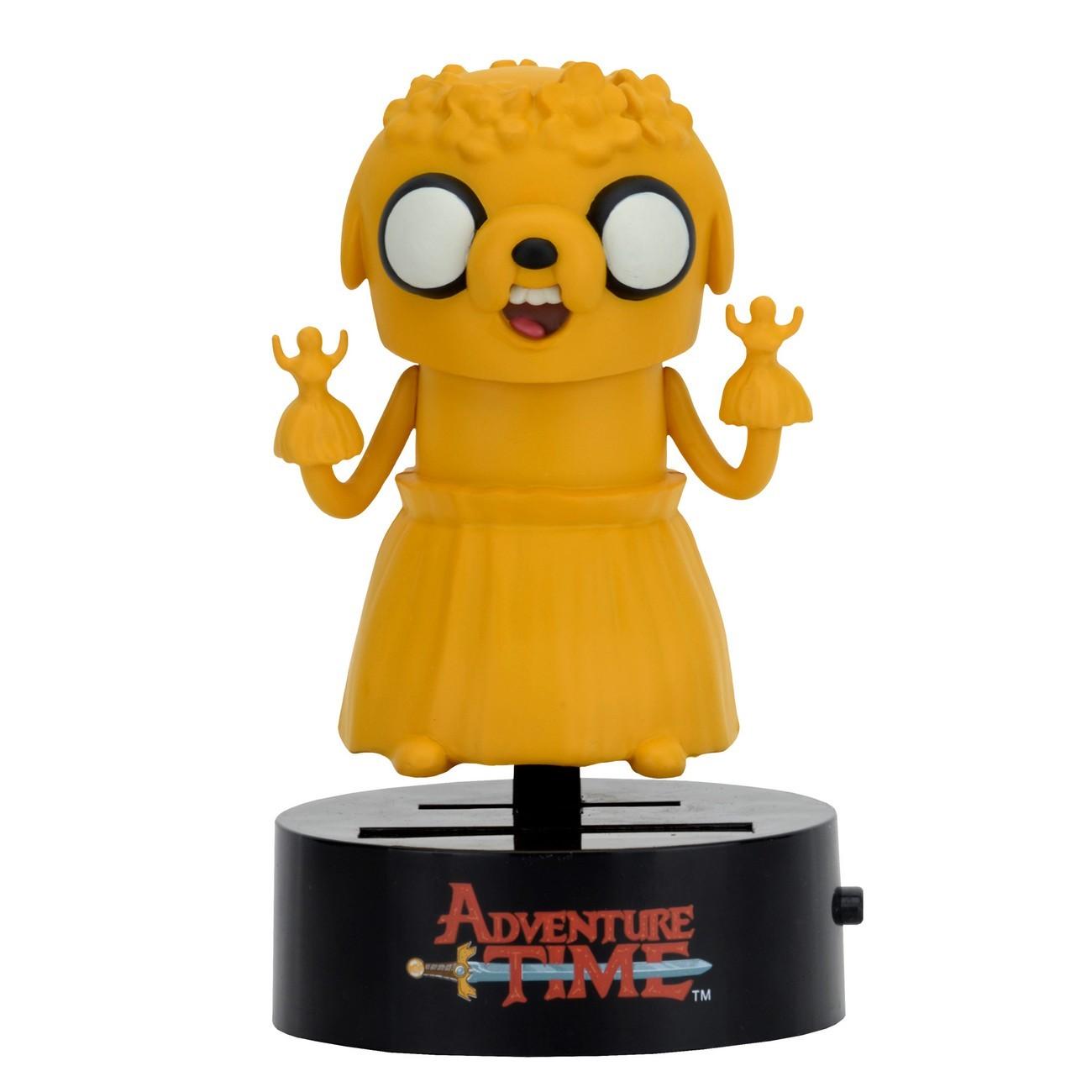 Фигурка на солнечной батарее Adventure Time Jake 15 смДжейк – волшебный пес из мультсериала Время Приключений, лучший друг Финна и его сводный брат. Он выглядит как жёлтый бульдог с большими глазами. Джейк умеет растягиваться и управлять своим телом, заставляя его принимать любую форму. Фигурка-телотряс работает от солнечной батареи и начинает трясти телом при достаточном освещении. Дополнительных батареек не требует.<br>