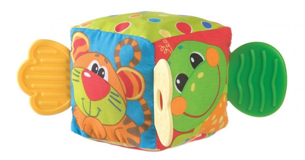 Playgro Мягкая игрушка Кубик 0180170Кубик-прорезыватель идеален в период прорезывания зубок, в который малыш особенно беспокоен. Внутри кубика находится погремушка, которая обязательно заинтересует его. Разные по фактуре материалы тренируют мелкую моторику.<br>