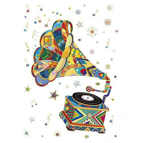 Открытка ГраммофонСтильная и красочная поздравительная открытка Граммофон от производителя Turnowsky - идеальный вариант для ценителей музыки. Открытка станет прекрасным памятным подарком для Ваших родных, близких и друзей.Превосходные дизайнерские открытки от всемирно-известного бренда Turnowsky специально были созданы для того, чтобы воспоминания о самых важных событиях оставались в памяти на всю жизнь.Открытка Граммофон замечательно подойдет для поздравления с любым праздником. На светлом фоне открытки изображен стильный ретро граммофон, состоящий из различных геометрических фигур.Отдельные детали открытки украшены золотистым тиснением.Внутренняя часть открытки пустая.В комплект с открыткой входит подарочный конверт с логотипом бренда.<br>