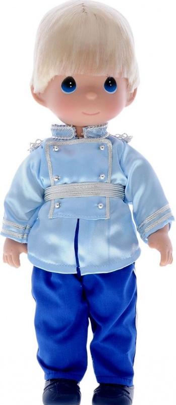 Кукла Precious Moments Принц, 30 см.Удивительная коллекционная кукла не оставит равнодушным ни одного ценителя прекрасного.Большинство современных кукол Precious Moments изготавливаются целиком из винила и имеют пять базовых точек артикуляции.Волосы у кукол сделаны из качественного синтетического волокна или крученых ниток, если того требует образ. Куклы одеты в нарядные костюмы, не перегруженные деталями и декором, однако выполненные с тем вниманием к нюансам, которое столь высоко ценится коллекционерами.<br>