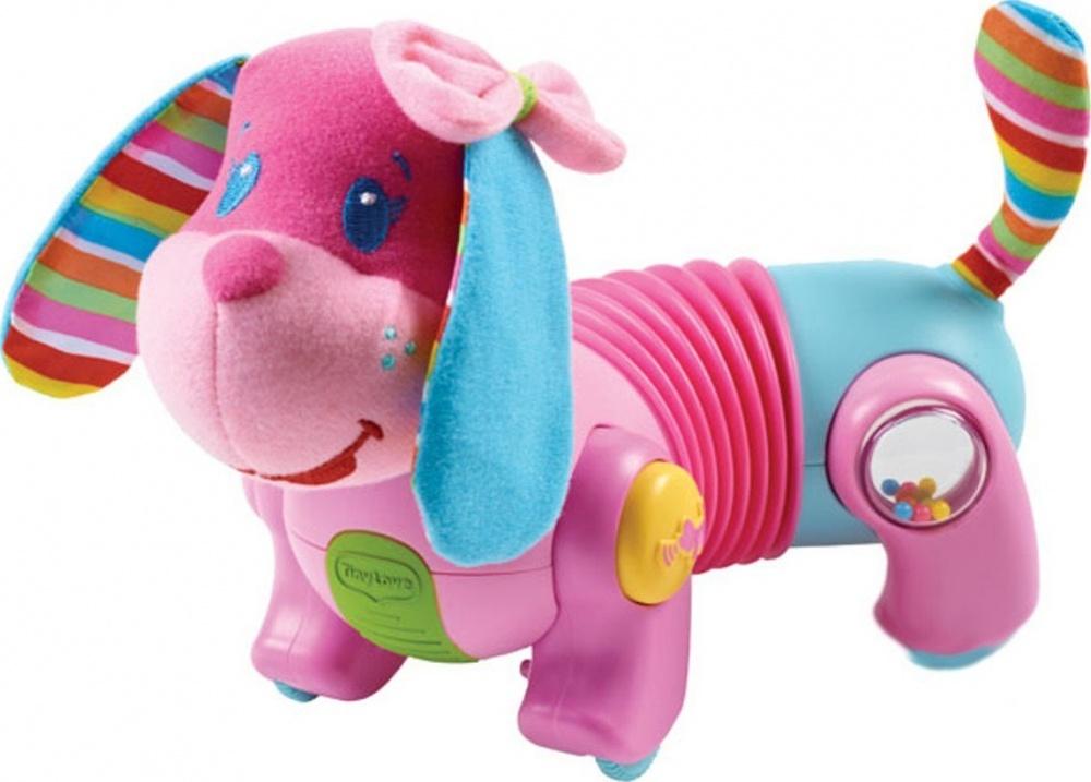Интерактивная игрушка собачка Фиона Догони меняИнтерактивный щенок побуждает малышку ползать и ходить. Когда ребёнок дотронется до собачки, она начнёт от него убегать. Через некоторое время щенок остановится, и начнёт призывно лаять или скулить, как бы прося малыша, дотронуться до него снова. Необычная форма тела (гармошка) позволяет собачке путешествовать прямо, по кругу влево и вправо. Есть регулятор громкости. Кнопка с изображением лапы позволяет регулировать скорость движения игрушки. мягкие висящие ушки из ткани различной фактуры, с шуршащим наполнителем;мягкая мордочка и хвостик;ошейник поворачивается с треском;на лапках – маленькие ребристые колесики;туловище – гармошка, растягивается и изгибается;такое забавное строение туловища позволяет щеночку ходить как по прямой, так и по кругу, в одну сторону или другую, а также легко регулировать размер круга;управляющие кнопочки и игрушечки находятся на лапках: 1) переключение скорости движения (2 варианта); 2) демонстрационная - при нажатии на кнопочку с косточкой Фиона лает, звучит веселая мелодия (всего 6 вариантов); 2) забавная игрушка – под прозрачным пластиковым окошком находится зеркальце и свободно пересыпаются маленькие разноцветные шарики. Замечательная погремушка!Фиона начинает движение от прикосновения, идет на короткое расстояние и останавливается – ждет следующего прикосновения. Лая и поскуливая, Фиона призывает малыша к себе для продолжения игры. Во время движения она мило лает и проигрывает подбадривающие мелодии;режимы игры: 1) движение с музыкой и звуковыми эффектами; 2) движение без музыки и звуковых эффектов; 3) музыка и звуковые эффекты без движения; игрушка отвечает наивысшим стандартам качества и безопасности, не содержит ПВХ.Оптимальная игрушка для развития навыка ползания!<br>
