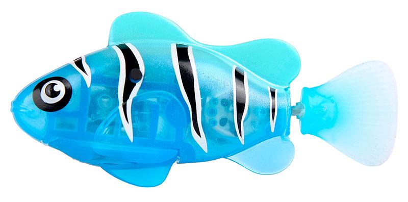 Светодиодная РобоРыбка Синий маякИнновационная высокотехнологичная игрушка. Активируется в воде. Имитирует движения и повадки рыбы. Электромагнитный мотор позволяет рыбке двигаться в 5 направлениях. При погружении в аквариум или другую емкость с водой, РобоРыбка начинает плавать, опускаясь ко дну и поднимаясь к поверхности воды. Новинка 2014! Светодиодные рыбки, которые при соприкосновении с водой начинают не только плавать, но и светиться. В целях экономии энергии рыбка автоматически отключается через 4 минуты. Для активации, рыбки вытащите ее из воды на несколько секунд и запустите снова в воду.Внутри рыбки в крышке под батарейками находится специальный грузик, регулирующий глубину ее погружения. Если РобоРыбка плавает на дне, не всплывая-уберите грузик; если на поверхности – добавьте грузик. Игрушка работает от двух алкалиновых батареек А76 или RL44, которые входят в комплект (две установлены в игрушку и 2 запасные)<br>