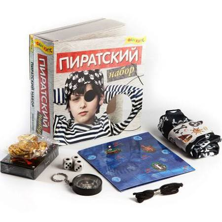 Пиратский наборКнига + пиратская бандана, стикеры, игральные кубики, пиратские монеты, компас, веревка, колода карт<br>