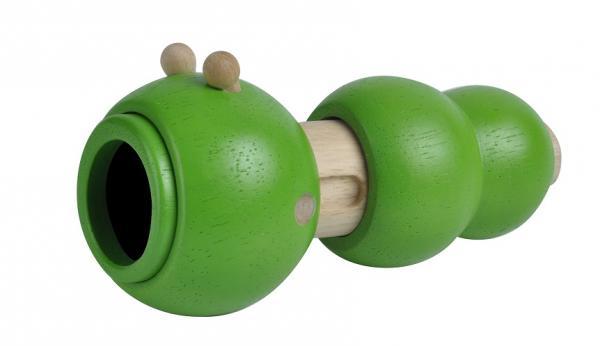 Телескоп Гусеница Plan ToysЗеленая гусеница в исполнении  Plan Toys – не просто насекомое, а самый настоящий телескоп, с которым можно вообразить себя астрономом, изучающим звездное небо, или спасателем на пляже, высматривающим в океане акул.Телескоп Гусеница Plan Toys – симпатичная игрушка, которая состоит из основания в виде полой выдвижной трубки, которая прячется в трех зеленых шарах. На «мордочке» телескопа Гусеница Plan Toys есть глазки в виде бусинок.Телескоп Гусеница Plan Toys выполнена полностью из каучукового дерева. Игрушка совершенно безопасна для  маленьких деток, что подтверждается соответствующими сертификатами.<br>